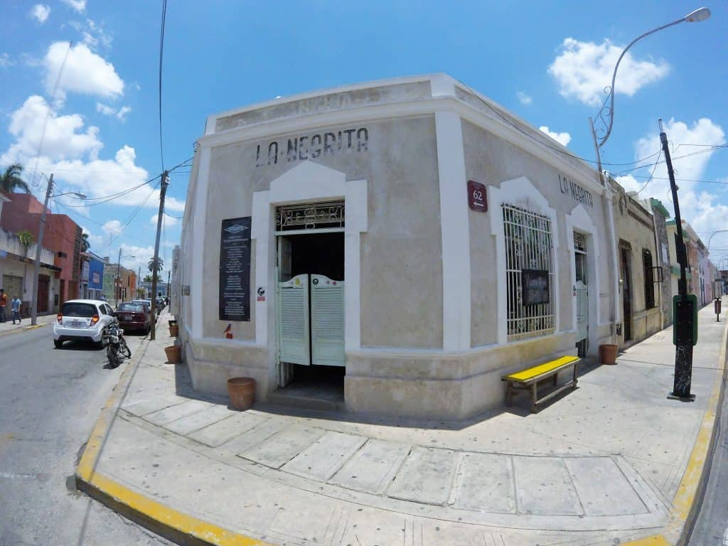 Die Bar La Negrita in Merida