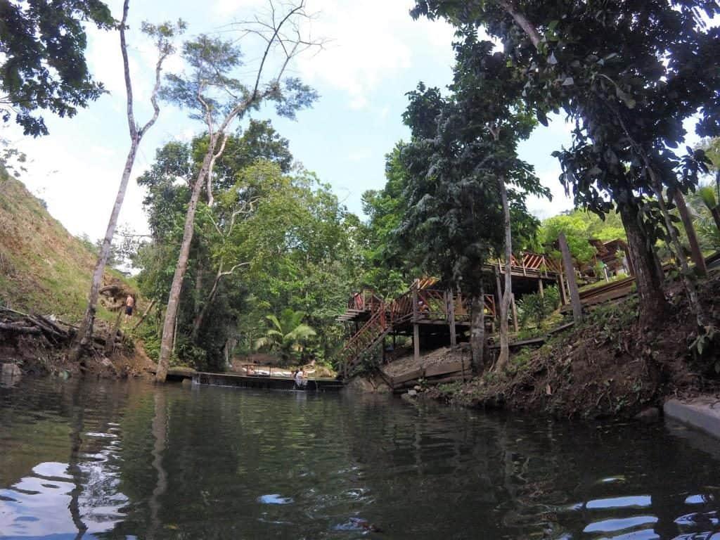 Das Naturschwimmbad im Restaurant El Trebol in Capurganá