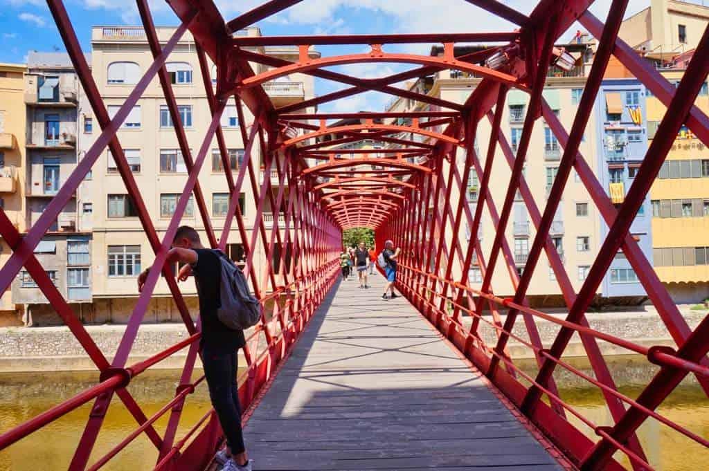 Peixateries Velles ist eine der wichtigsten Sehenswürdigkeiten in Gerona und wird auch Eifel Brück genannt.