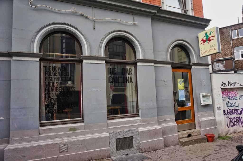 Die Bar Cantona in Aachen ist ein guter Ort für einen Drink und einen leckeren Snack