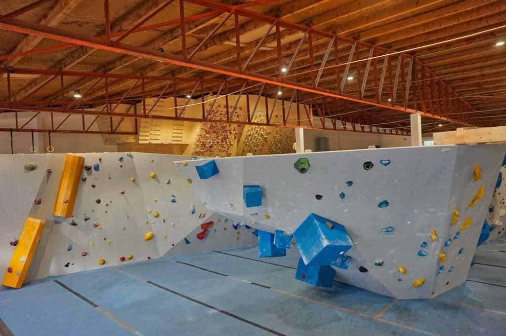 Eine tolle Aktivität in Aachen ist ein Besuch von diehalle zum Bouldern